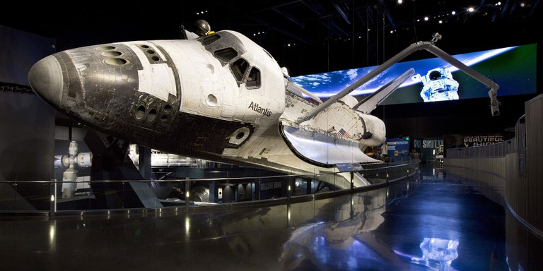 Space Shuttle Atlantis.jpg